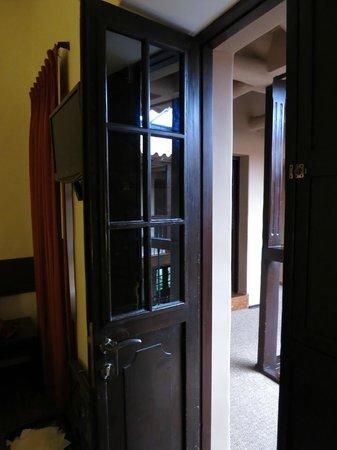 Tierra Viva Cusco Plaza: Door of my bed room to the courtyard