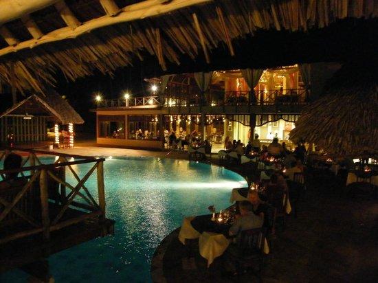 Neptune Pwani Beach Resort & Spa: Restaurant