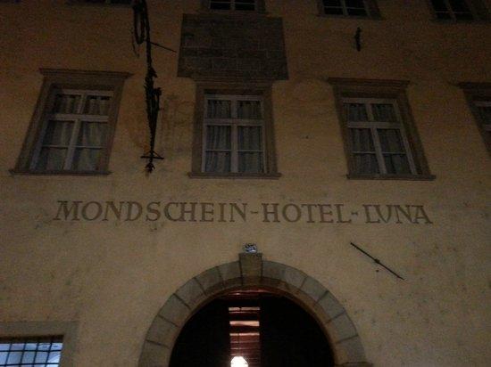 Parkhotel Luna Mondschein: ingresso principale