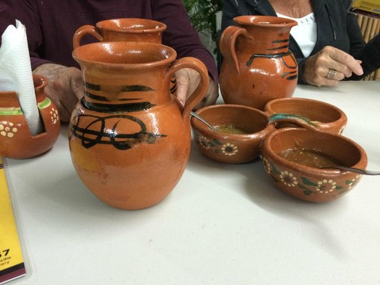 Las Cazuelas del Don: Mugs of beer