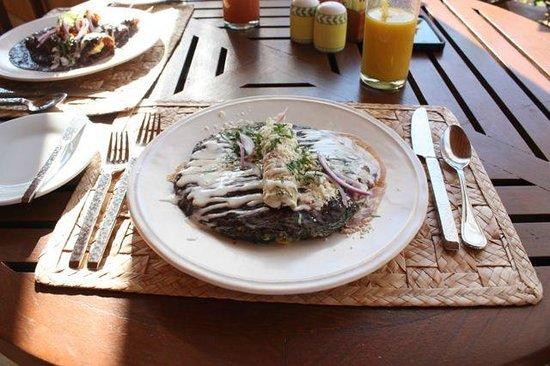 Cala de Mar Resort & Spa Ixtapa: Breakfast at Las Rocas