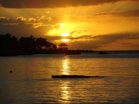 Maritim Resort & Spa Mauritius : Sonnenuntergang am Strand