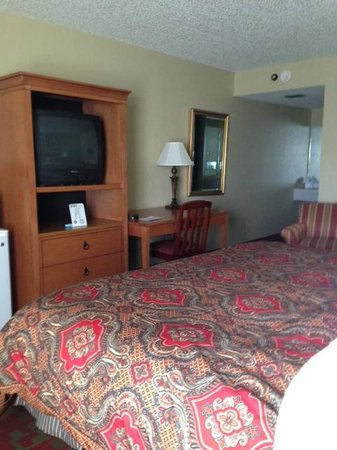 Gateway Lodge: MOTEL room looks more like a nice HOTEL