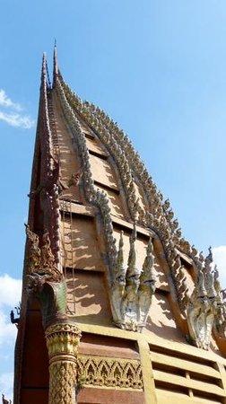 Oriental Kwai Resort: tempel bij kanchanaburi
