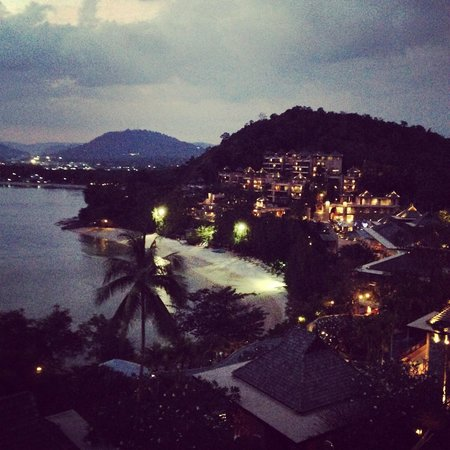 The Westin Siray Bay Resort & Spa Phuket: Evening at Westin Phuket