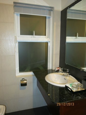 Skyline Boutique Hotel: Bathroom