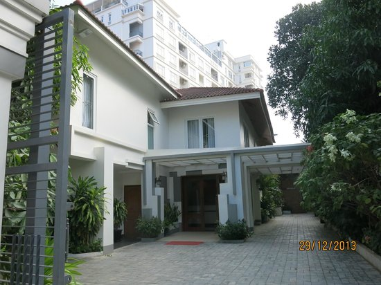 Skyline Boutique Hotel: Entrance to the hotel