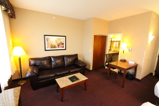 Best Western Plus Hannaford Inn & Suites照片