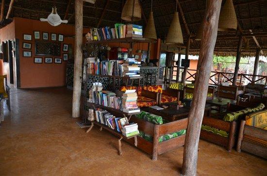 Kichanga Lodge: Area comune