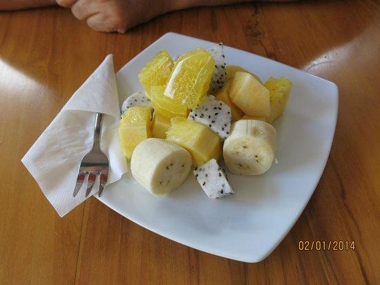 Skyline Boutique Hotel: Breakfast - fruit dish