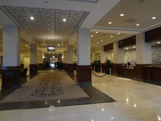 Capital Hilton: Lobby view