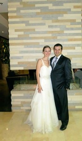 Holiday Inn Express Bogota: After our wedding in the lobby of the hotel.