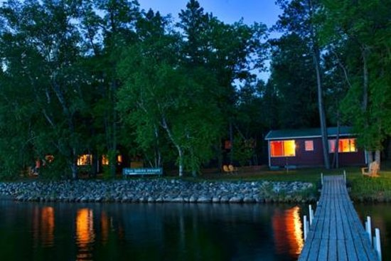 Two Inlets Resort: Cabins are located RIGHT on the water