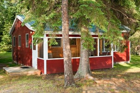Two Inlets Resort: 3 bedroom cabin with screen porch