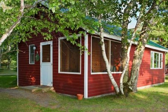 Two Inlets Resort: 2 bedroom cabin with screen porch