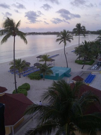 Breezes Resort & Spa Bahamas : A view of the sunset from our ocean view room