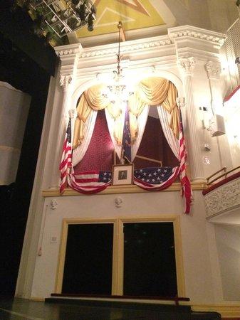Ford's Theatre: Lincoln's theatre box