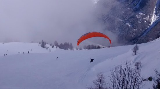 Fly Chamonix - Tandem Paragliding : take-off on tandem paragliding experience