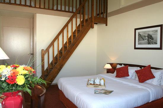 Kyriad Prestige Bordeaux Ouest - Mérignac : chambre familiale
