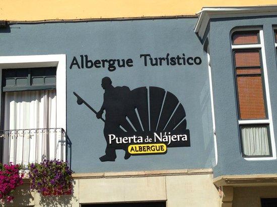 Albergue Puerta de Nájera: Front of the building
