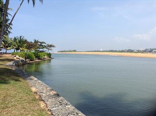 AVANI Kalutara Resort: Another lagoon view from the end of the strip