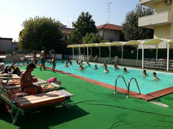 Hotel k2 lido adriatico vacanza holiday urlaub picture - Bagno marina beach lido adriano ...