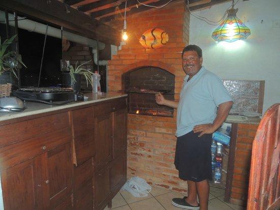 Pousada Mar Dos Anjos: Parrillita para usar con carbón o grill