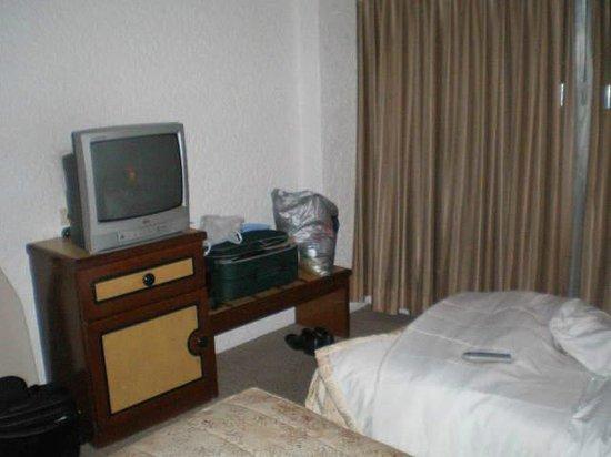 Hotel Suites Real 97: QUARTO COM DUAS CAMAS DE SOLTEIRO