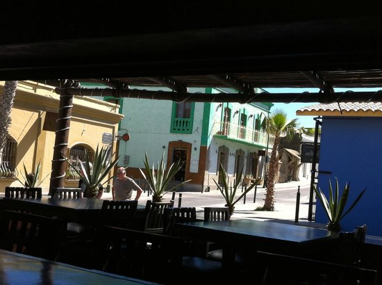 Baja Brewing Company : view of street from bar