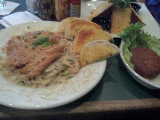 Croaker's Spot Restaurants : Fried Chickel Alfredo, Soul Wedges and Salmon Cake