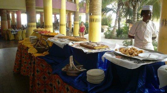 Hotel Club Royal Saly: buffet
