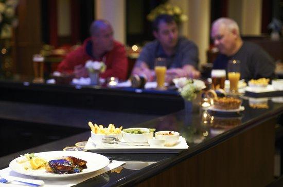 Bastion Hotel Vlaardingen: Bar