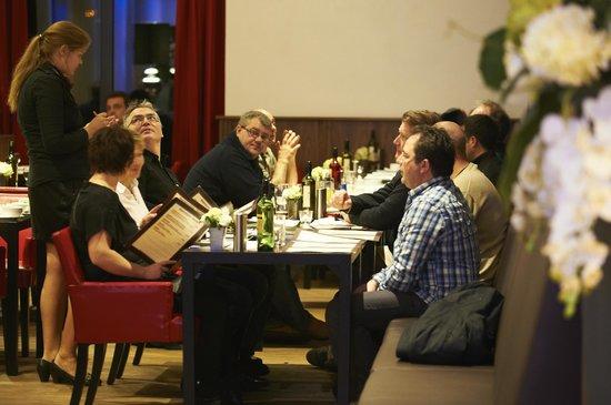 Bastion Hotel Vlaardingen: Restaurant