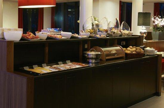 Bastion Hotel Vlaardingen: Breakfast