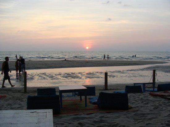 coucher de soleil depuis le beach tango