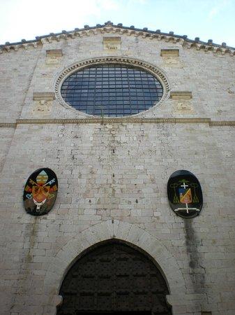 Cathyedral (Duomo di Gubbio): Rosone, particolari