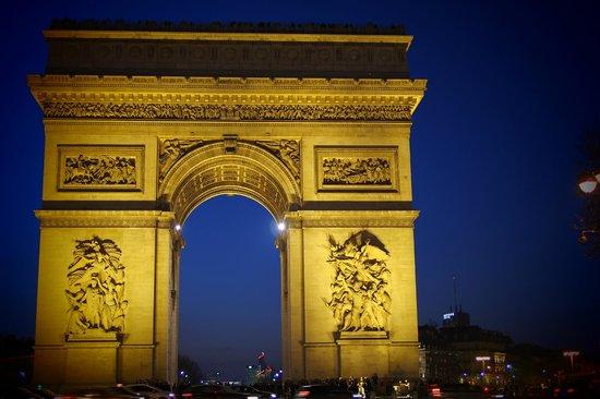 Arc de Triomphe: Arc !!!!