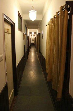 Johnson Lodge & Spa: corridor