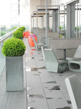 The Gibson Hotel: Terrasse du lobby