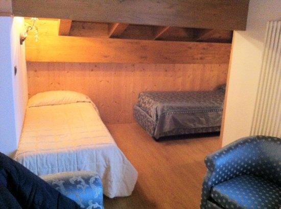 Hotel Letizia : junior suites n.136