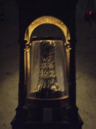 Basilica Di Santa Prassede: Suposto pilar onde Cristo foi flagelado antes de ser crucificado