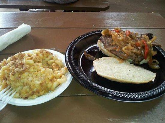 Bruddah WIlly's Sticky Ribs : Brisket Sandwich & Baked Macaroni
