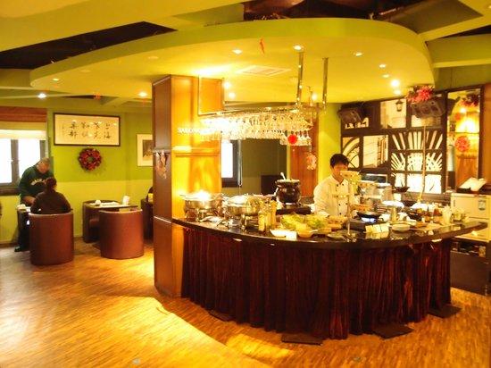 Gallery Suites: Breakfast area