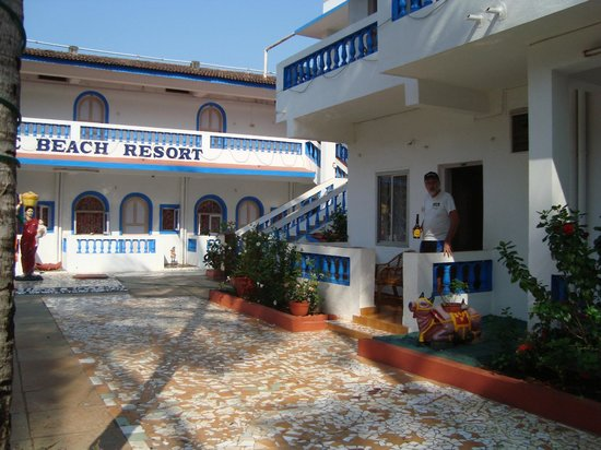 Empire Beach Resort Hotel: Terrassen