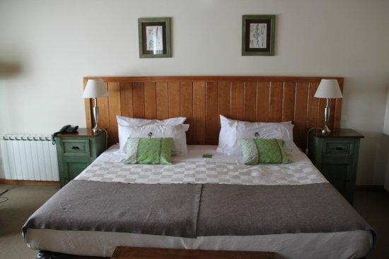 Las Bayas Hotel: bed