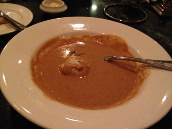 Fiorenzo Italian Steakhouse: lobster shrimp bisque a must