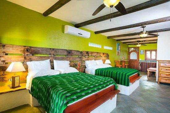 Tranquilseas Eco Lodge and Dive Center: gecko suite 1