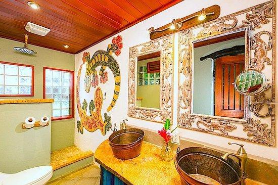 Tranquilseas Eco Lodge and Dive Center: gecko suite 4
