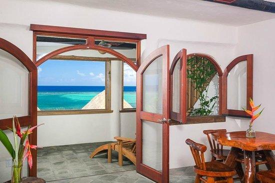 Tranquilseas Eco Lodge and Dive Center: kingcrab suite 3