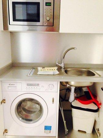 Eric Vökel Boutique Apartments - Atocha Suites: Washer cum dryer
